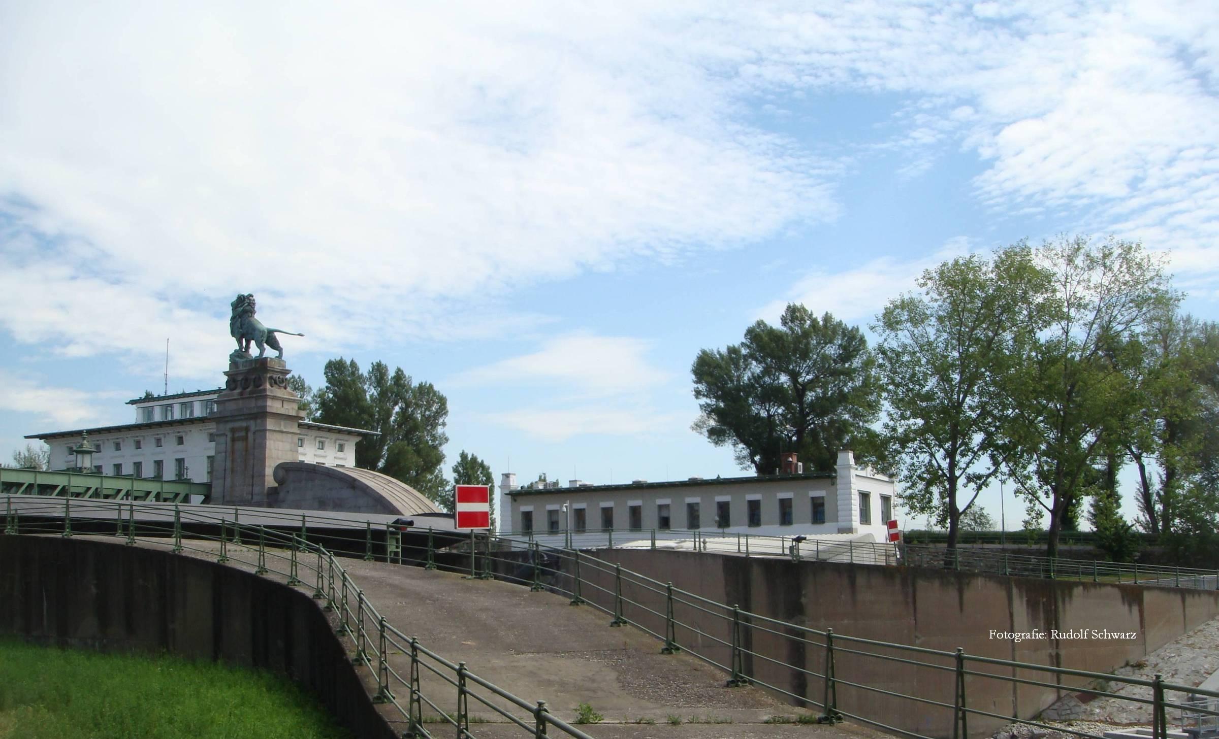 """""""Strombau-Aufsicht"""" und Brücke von Otto Wagner"""