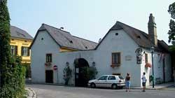 Pfarrplatz 2